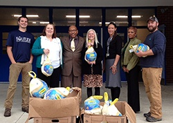 SOLitude_Little_GOBBLERS_turkey_delivery_group_shot_Hidenwood_Elem_Newport_News_11.2015_e.jpg