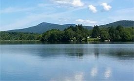 resort-lake-summer.jpg