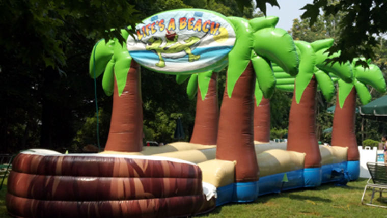 Goodshuffle outdoor inflatable slip and slide