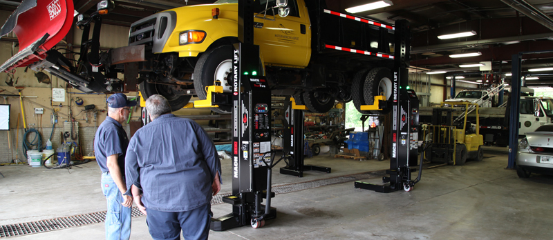 Heavy duty truck on Rotary's mobile column lifts