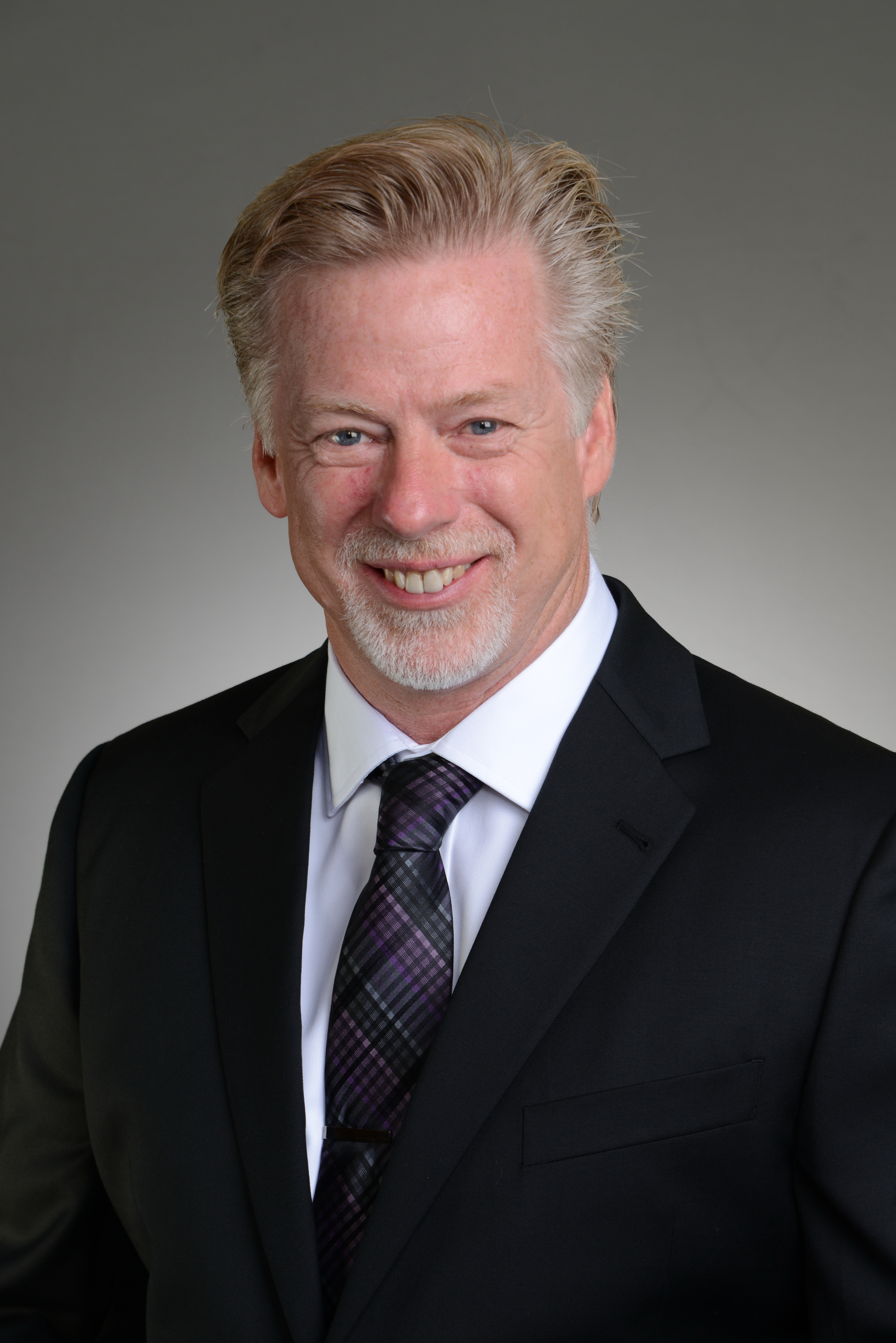 Kenneth R Schneider
