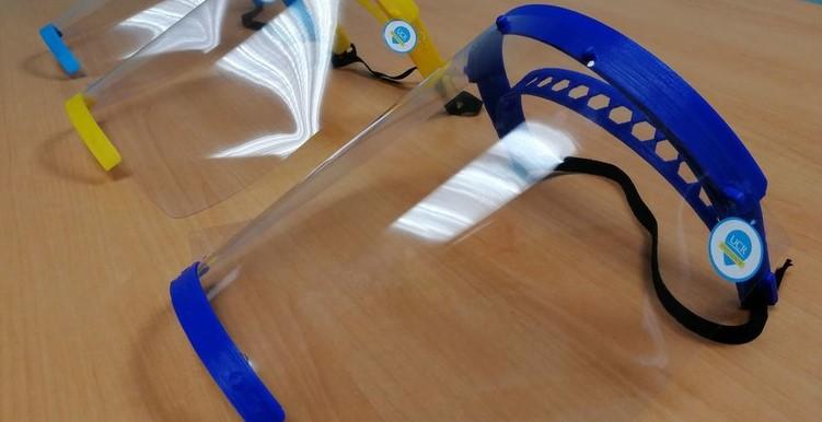 Mediante impresión 3D, UCR diseña y crea protectores faciales para emergencia del COVID-19